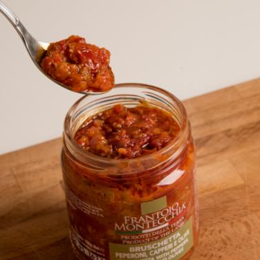 Conserve-di-verdure-frantoio-montecchia-morro-d'oro-teramo-abruzzo-bruschetta-peperoni