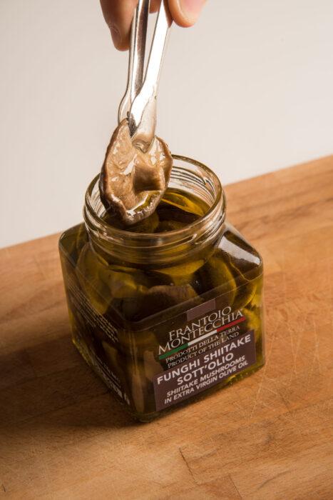 Frantoio-Montecchia-Olio-Extra-Vergine-funghi-shiitake-Morro-D'Oro-Teramo-Abruzzo-Eccellenza-cibo