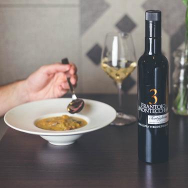Frantoio-Montecchia-olio-E.V.O-3-Golden-tortiglione-Olio-Extra-Vergine-Morro-D'Oro-Teramo-Abruzzo-alta-qualità-EVO-migliore