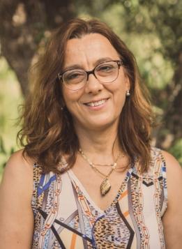 Frantoio-Montecchia-Morro-D'Oro-Teramo-Abruzzo-amministratrice-assaggiatrice
